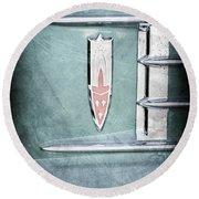 1958 Oldsmobile Emblem Round Beach Towel