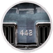 1970 Oldsmobile 442 Grille Emblem Round Beach Towel
