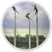 3 Angels Statue Philadelphia Round Beach Towel