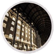 Hays Galleria London Round Beach Towel