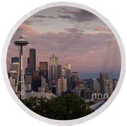 Seattle Skyline With Space Needle And Stormy Weather With Mount  Round Beach Towel