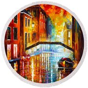 The Canals Of Venice Round Beach Towel