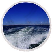 The Wake Of The Island Queen Round Beach Towel