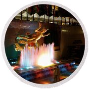 30 Rock Fountain Round Beach Towel
