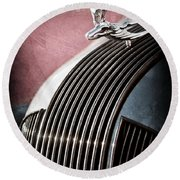 1935 Pontiac Sedan Hood Ornament Round Beach Towel