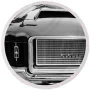 1972 Oldsmobile 442 Grille Emblem Round Beach Towel