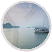 Islands And Boat In The Pacific Ocean Round Beach Towel