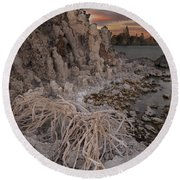 Tufa Formations, Mono Lake, Ca Round Beach Towel