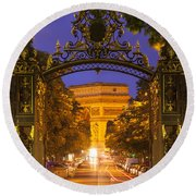 Twilight At Arc De Triomphe Round Beach Towel