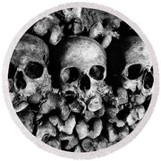 Skulls And Bones In The Catacombs Of Paris France Round Beach Towel