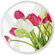 Red And White Tulips Round Beach Towel