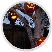 Pumpkin Escape Over Fence Round Beach Towel