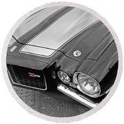 71 Camaro Z28 In Black And White Round Beach Towel
