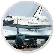 747 Transporting Discovery Space Shuttle Round Beach Towel