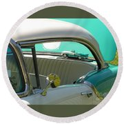 #766 D86 Mini Holiday Oldsmobile Antique Cars  Round Beach Towel