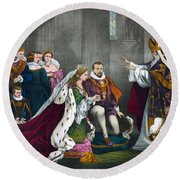 Mary, Queen Of Scots Round Beach Towel