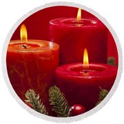 Red Advent Wreath With Candles Round Beach Towel