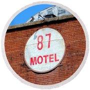 87 Motel Round Beach Towel