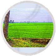 Green Fields With Birds Round Beach Towel