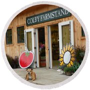 #923 D720 Colby Farm Stand Round Beach Towel