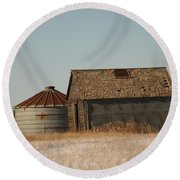 A Barn And A Bin Round Beach Towel