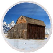 A Barn With A View Round Beach Towel