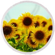 A Beautiful Sunflower Field Round Beach Towel