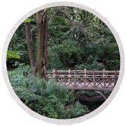 A Bridge In Central Park Round Beach Towel
