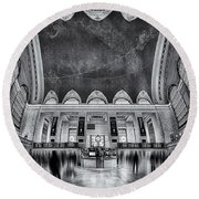 A Central View Bw Round Beach Towel