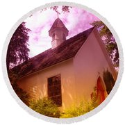 A Church In Prosser Wa Round Beach Towel