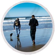 A Day At The Ocean Round Beach Towel