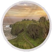 A Dunnottar Castle Sunrise - Scotland - Landscape Round Beach Towel