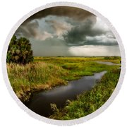 A Glow On The Marsh Round Beach Towel