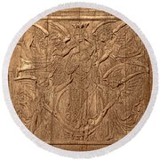 A King Carved In Wood Round Beach Towel