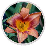 A Lily's Golden Heart Round Beach Towel