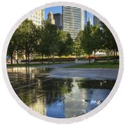 A Reflection Of Chicago Round Beach Towel