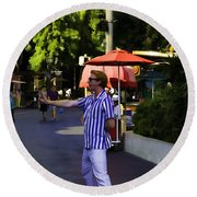 A Street Entertainer In The Hollywood Section Of Universal Studios Round Beach Towel