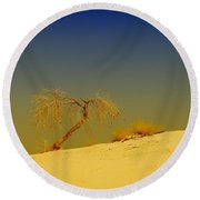 A Tree At White Sands Round Beach Towel