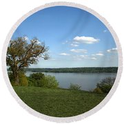 A View From Mount Vernon Round Beach Towel