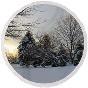 A White Winter's Morning Round Beach Towel