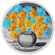 A Whole Bunch Of Daisies Selective Color II Round Beach Towel