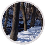 A Winter Day In New York Round Beach Towel