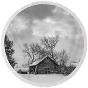 A Winter Eve Monochrome Round Beach Towel