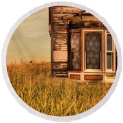 Abandoned House In Grass Round Beach Towel