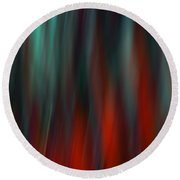 Abstract Vertical Red Green Blur Round Beach Towel