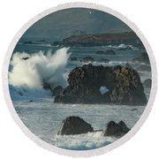 Action On The Rocks Round Beach Towel