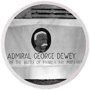 Admiral Dewey Monument Round Beach Towel