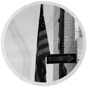 Albany Street In Black And White Round Beach Towel