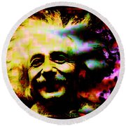 Albert Einstein - Why Is It That Nobody Understands Me - Yet Everybody Likes Me Round Beach Towel