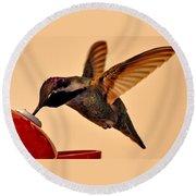Allen Hummingbird In Flight At Feeder Round Beach Towel